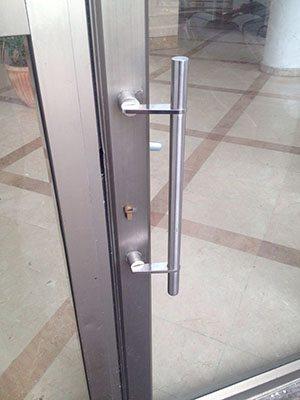 Repair of aluminum doors