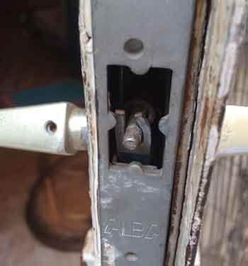 פורץ דלתות בפתח תקווה