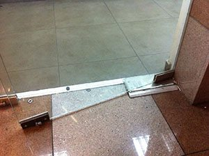 תיקון דלתות זכוכית