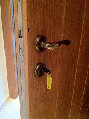 locksmith hezlia 24 hours