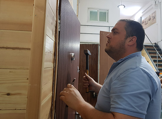 תיקון דלתות באור יהודה
