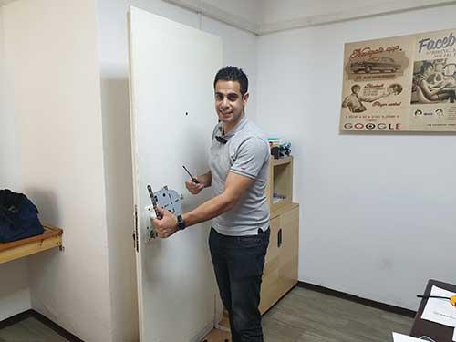 מתקן דלתות בטירת הכרמל 24 שעות